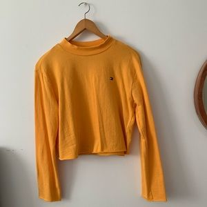 Tommy cropped sweater